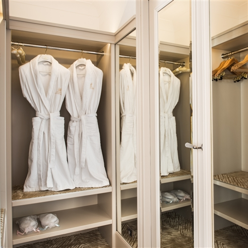 Executive Suite walk-in wardrobe