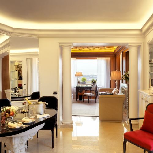 Rome suites the best place to stay in rome for Casa classica villa medici